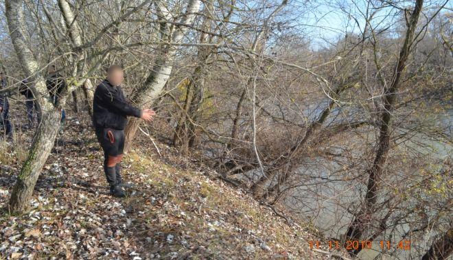 Bărbat oprit la frontieră, după ce a încercat să intre ilegal în România, înotând - 1-1573555267.jpg