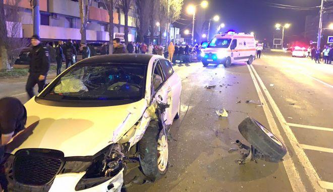 ACCIDENT GRAV în stațiunea Mamaia. Trei mașini implicate! - 1-1583185416.jpg