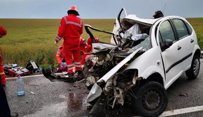 UPDATE / GRAV ACCIDENT RUTIER, între Constanța și Tulcea. Două mașini s-au făcut praf, sunt trei victime. O tânără A DECEDAT / GALERIE FOTO - VIDEO - 1-1591893850.jpg