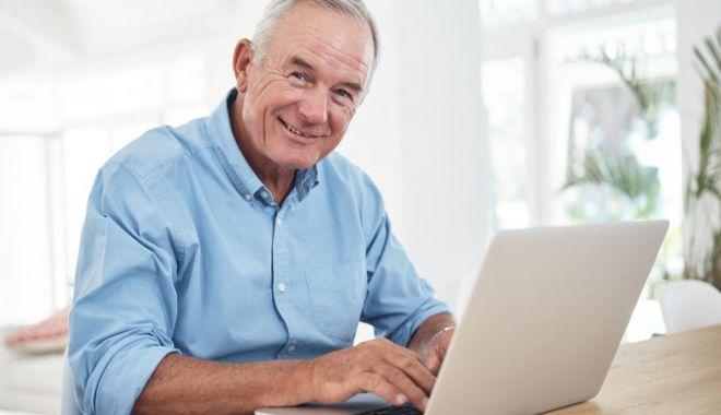 Foto: Proiect de lege: Societățile comerciale private sunt obligate să angajeze pensionari