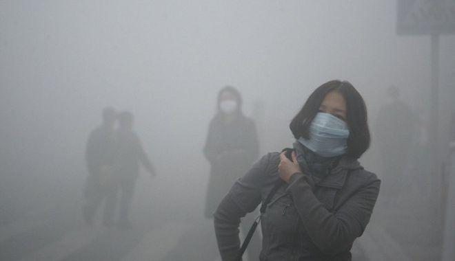 """Foto: OMS: Există """"dovezi emergente"""" despre răspândirea noului coronavirus prin aer"""