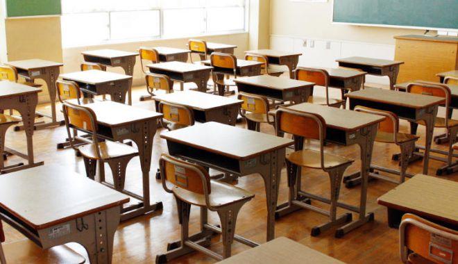Ministerul Educației: Activitățile didactice ce impun prezența fizică a elevilor pot fi suspendate pe durata stării de alertă - 1-1597766359.jpg