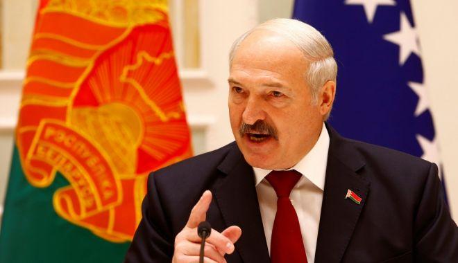 Lukaşenko recunoaşte că este posibil să fi rămas în fruntea statului puţin prea mult - 1-1599581381.jpg
