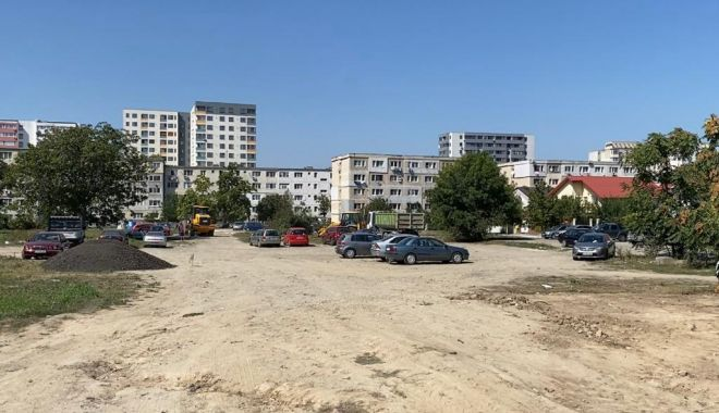 Foto: O nouă parcare cu peste 470 de locuri este amenajată pe strada Tulcei