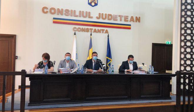 VIDEO. A început ultima şedinţă de Consiliu Judeţean din acest mandat - 1-1600942572.jpg