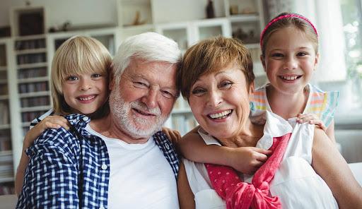 Azi e Ziua Internațională a Persoanelor Vârstnice. La mulți ani bunicilor! - 1-1601545572.jpg