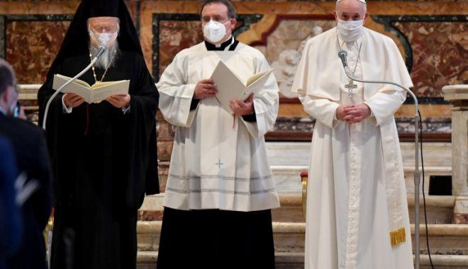 Moment istoric. Liderii religioși ai lumii se roagă împreună pentru pace - 1-1603209828.jpg