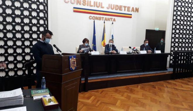 A început ceremonia de învestire a preşedintelui Consiliului Judeţean Constanţa - 1-1603986207.jpg