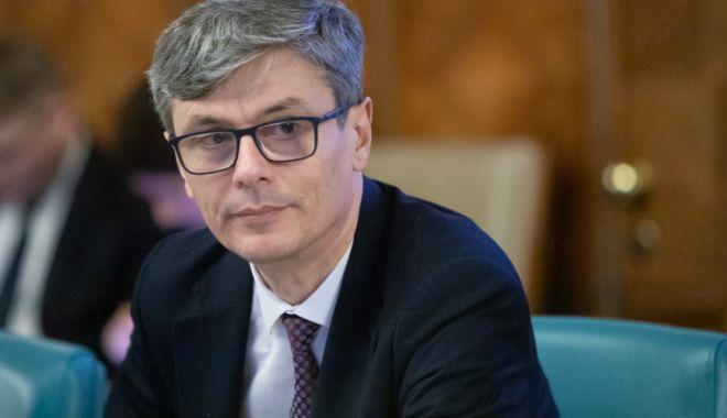 Ministrul Economiei: Jumătate dintre măştile aflate pe piaţă nu protejează împotriva Covid - 1-1606309786.jpg