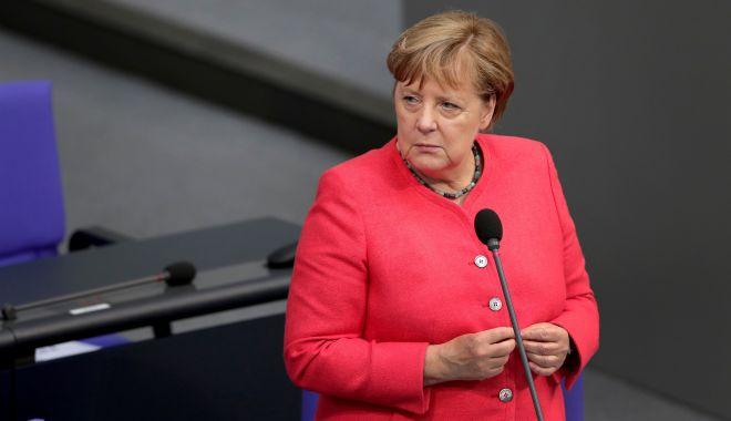 """Merkel consideră """"problematică"""" închiderea de către Facebook, Twitter a conturilor lui Trump - 1-1610378220.jpg"""