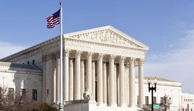 Alertă cu bombă la Curtea supremă înainte de învestirea lui Biden - 1-1611159611.jpg