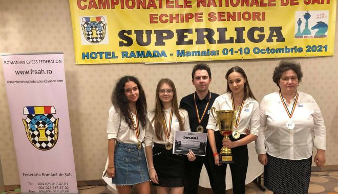 Vados Arad şi CSU ASE Bucureşti s-au impus în Superliga de şah de la Mamaia - 1-1634038173.jpg