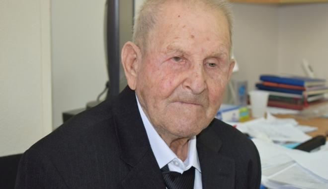 Foto: 100 de ani de viață. Povestea veteranului care a luptat în Al Doilea Război Mondial