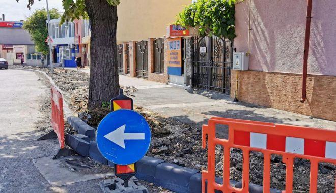Foto: Infrastructura pietonală este în curs de reabilitare în mai multe zone din oraș