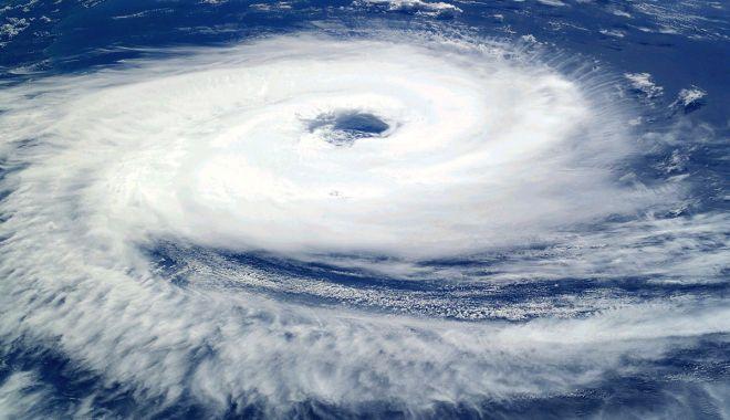 Români, atenție la călătoriile în străinătate! Se anunță ciclon - 1200pxcyclonecatarinafromtheisso-1575833355.jpg