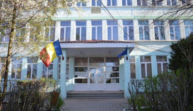 Noul director de la Liceul Nicolae Bălcescu din Medgidia și-a dat demisia - 12642899155169392849022360485967-1610565148.jpg