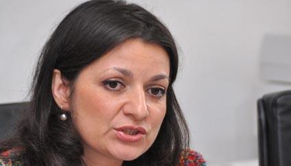 Oana Badea, înlăturată de la Ministerul Educației - 1331725266oanabadearp-1337176401.jpg