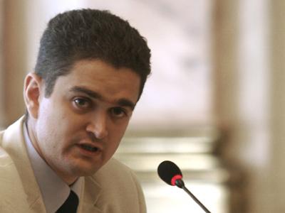 Foto: Paleologu a cerut PDL, în plenul reunit, să aprobe prezența Regelui Mihai în Parlament