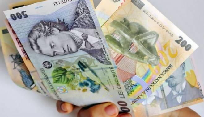 Foto: Salarii mai mari! Iată pentru cine