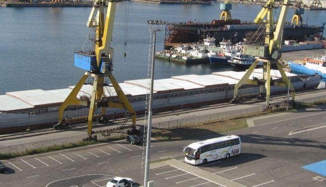 Foto: 144 de nave sub standard au fost reținute în porturile de la Marea Neagră