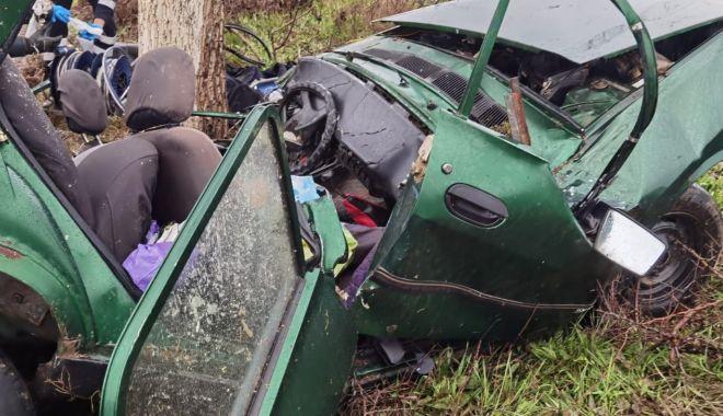 GALERIE FOTO / GRAV ACCIDENT RUTIER. Șefa APIA Topolog a murit! - 14apraccidenttopolog2-1618396645.jpg