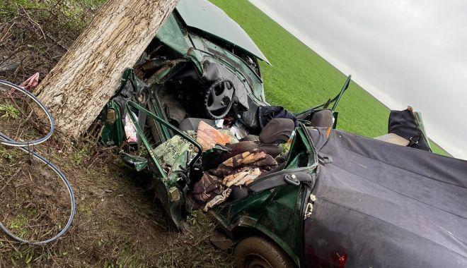 GALERIE FOTO / GRAV ACCIDENT RUTIER. Șefa APIA Topolog a murit! - 14apraccidenttopolog3-1618396654.jpg