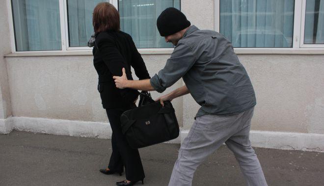 Foto: Polițiștii Secției 5 au ieșit pe stradă, pentru a sfătui constănțenii!