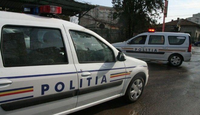 Polițiștii au ieșit în stradă, să prevină furturile - 14ianuariepolitistiiactiunipreve-1389698288.jpg