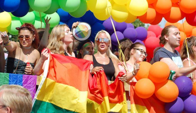 România este înştiinţată de Parlamentul European că ar trebui să accepte căsătoriile între persoane de acelaşi sex - 1536842063526dsc0525-1631611795.jpg