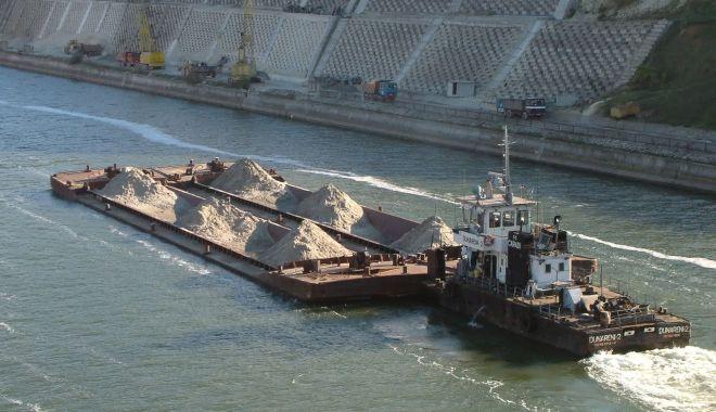 Foto: 1.559 de unități navale au tranzitat canalele navigabile românești, în ianuarie 2020