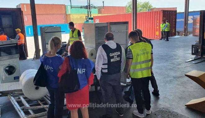 DEȘEURI LA EXPORT! Patru containere cu 110 tone de cauciuc, trimise în Thailanda! - 1623330361446130117s4-1624003893.jpg