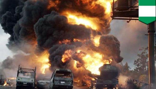 Foto: BENZINĂRIE EXPLODATĂ! 35 de persoane au murit, iar peste 100 au fost rănite