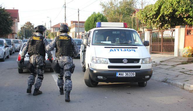 SCANDAL DE AMPLOARE în județul Constanța! 13 persoane reținute de Poliție! - 16septretinuti-1600237904.jpg