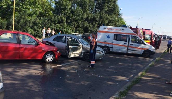 Foto: VIDEO. GRAV ACCIDENT RUTIER, LA CONSTANȚA. CINCI MAȘINI IMPLICATE