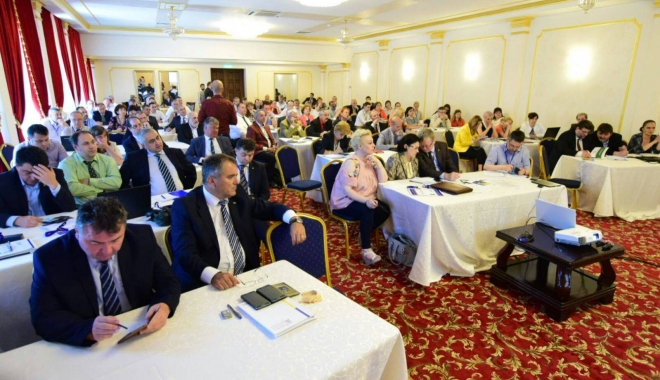 Galerie foto. Rectori din toată țara, reuniți la Constanța. Ministrul Educației, prezent la eveniment - 19243499136184690723537619658538-1497599497.jpg