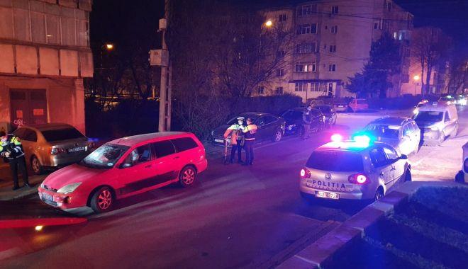 Șoferul care a avariat ZECE MAȘINI, în cartierul Poarta 6, dus la arestare! - 1martaccidbrizei-1614599161.jpg