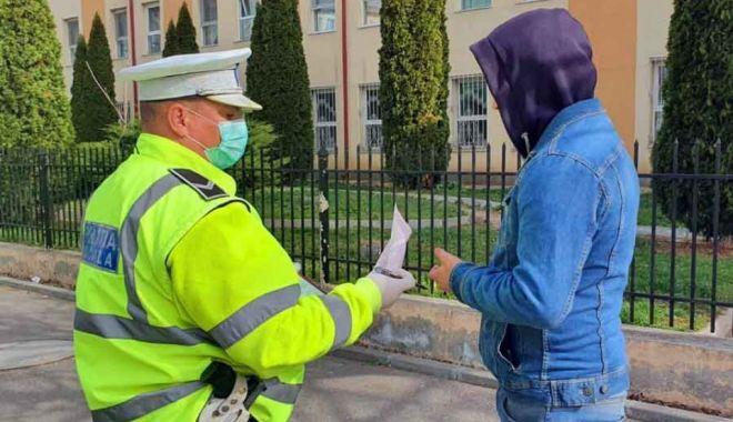 Sancțiuni de peste 250.000 lei în urma misiunilor de verificare a respectării măsurilor de protecție sanitară - 1politistiinupotdaamenzilegalcel-1596627294.jpg