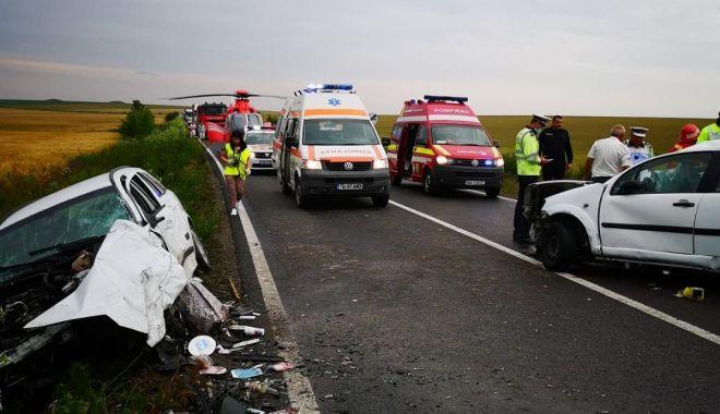 UPDATE / GRAV ACCIDENT RUTIER, între Constanța și Tulcea. Două mașini s-au făcut praf, sunt trei victime. O tânără A DECEDAT / GALERIE FOTO - VIDEO - 2-1591893953.jpg