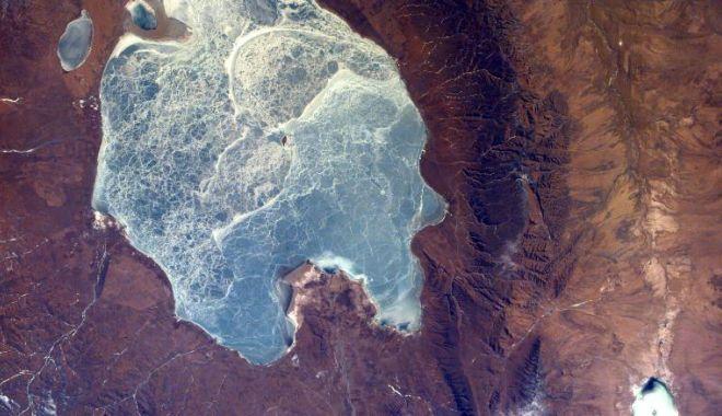 CNN: Imagini spectaculoase făcute de NASA. Cum arată Pământul din spaţiu - 2-1619166886.jpg