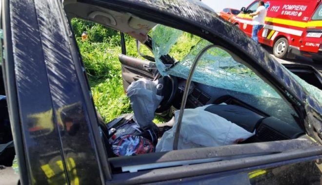 GALERIE FOTO. Accident grav, în ziua de Paşte. Trei persoane au fost rănite - 2-1619964135.jpg