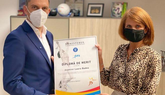 MTS / Diplomă de Merit pentru fosta campioană olimpică la scrimă Laura Badea - 20137943925205130514267791931575-1624177014.jpg
