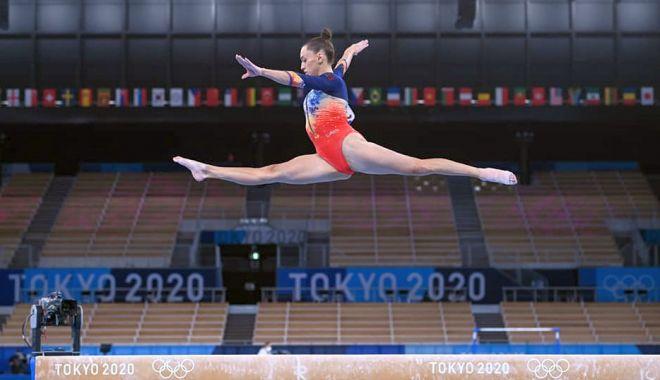 Olimpism / A învins durerile la gleznă! Larisa Iordache, în finala de la bârnă - 22222381558757504458332951985754-1627280623.jpg