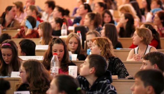 Cum arată structura anului școlar 2012-2013: Programul vacanțelor și calendarul examenelor - 224095-1337159153.jpg