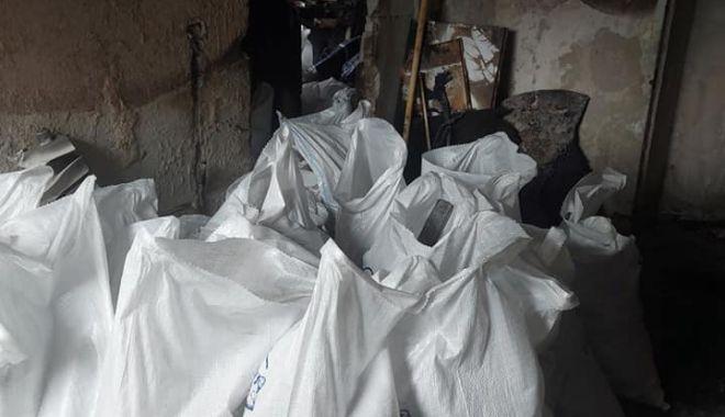IMAGINI DEZOLANTE din apartamentul femeii care a căzut de la BALCONUL CUPRINS DE FLĂCĂRI! Se caută ajutor pentru RENOVARE! - 23aprajutorapartament1-1619175405.jpg