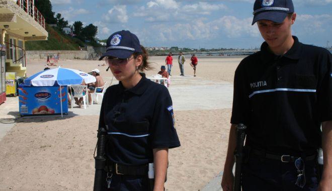 Foto: Amenzi usturătoare în stațiunea Mamaia, date de polițiști