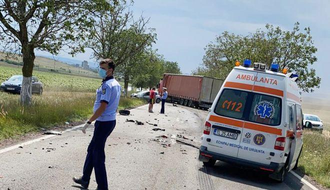 Foto: UN ACCIDENT GRAV A BLOCAT TRAFICUL! Un mort și mai mulți răniți!