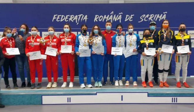 Scrimă / CSA Steaua 1 Bucureşti, noua campioană a României la tineret în proba feminină de spadă - 24500900720388465129317711930377-1634214511.jpg