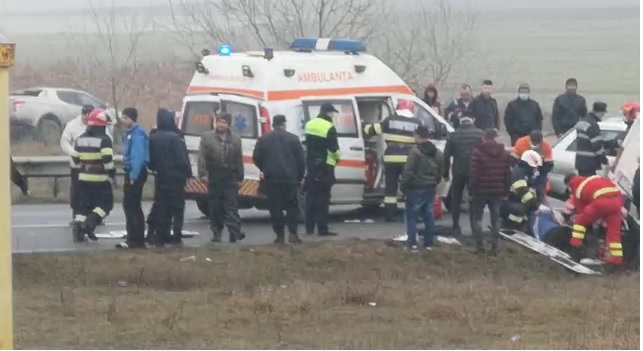 VIDEO / ACCIDENT GRAV LA CASTELU. MAI MULTE VICTIME au fost rănite! - 24febraccidcastelu-1614151644.jpg