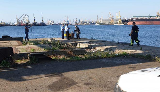 Bărbat de 74 de ani, căzut în apă, în Portul Constanța - 25iuniecazutapasursaisudobrogea-1593069789.jpg