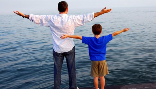 Foto: Cum trebuie să se implice tatăl în educarea copilului mic